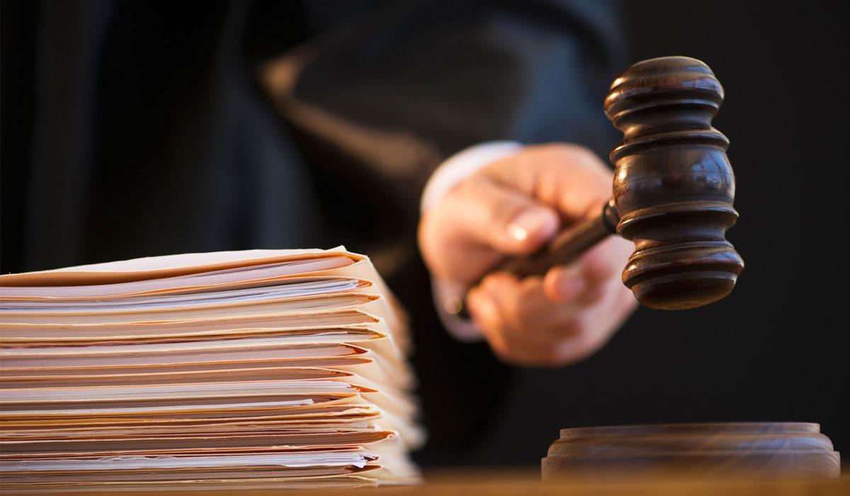 Кредитору нужно обратиться в суд