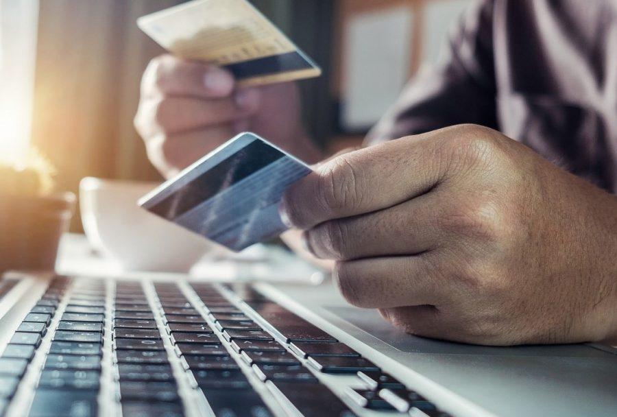 Кредитная или дебетовая карта